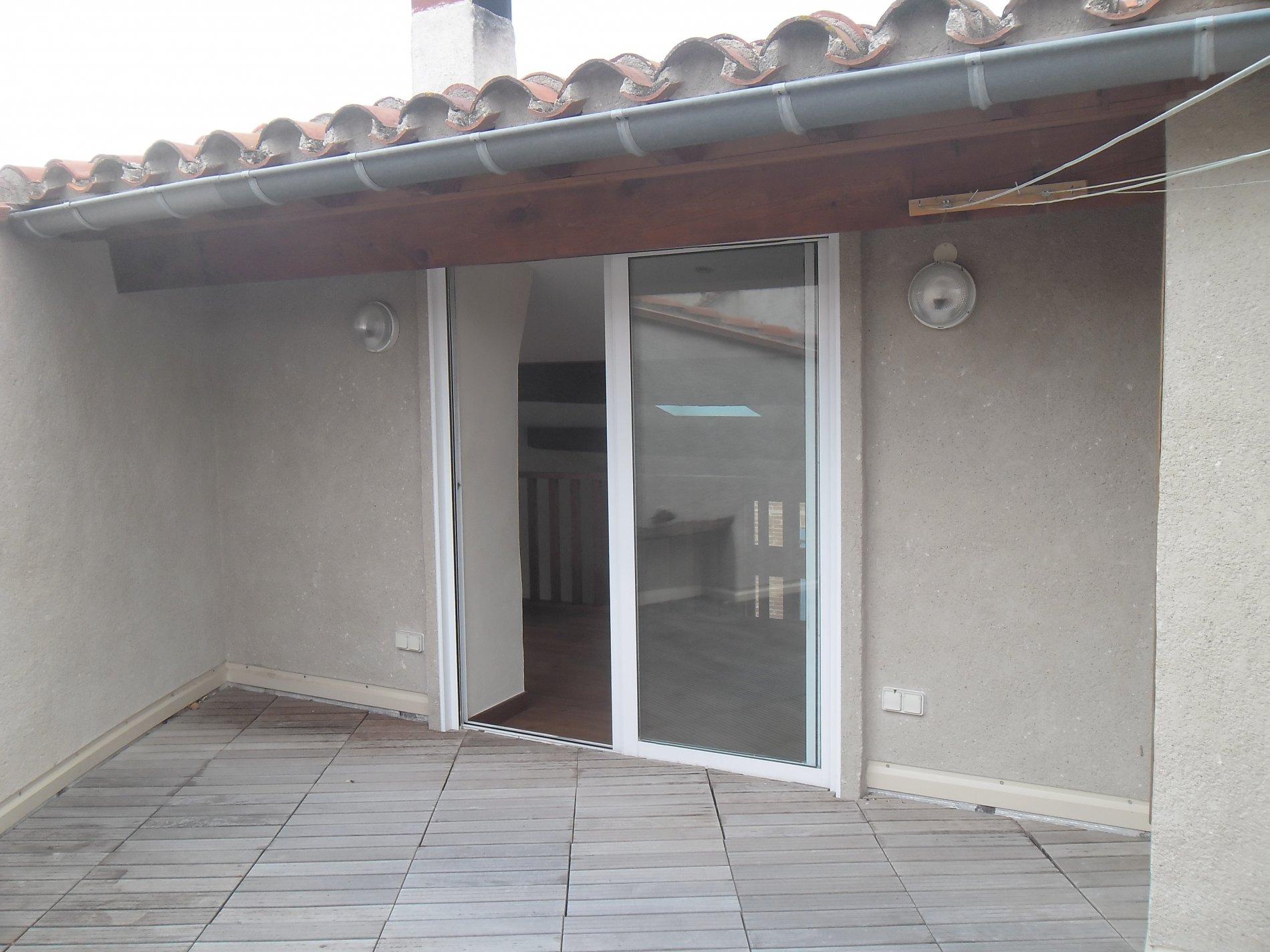 Vente maison 6 pi ces terrasse garage ille sur t t for Maison terrasse sur garage